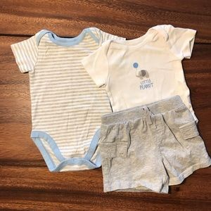 Set of 2 onesies and pair of shorts 3-6mo